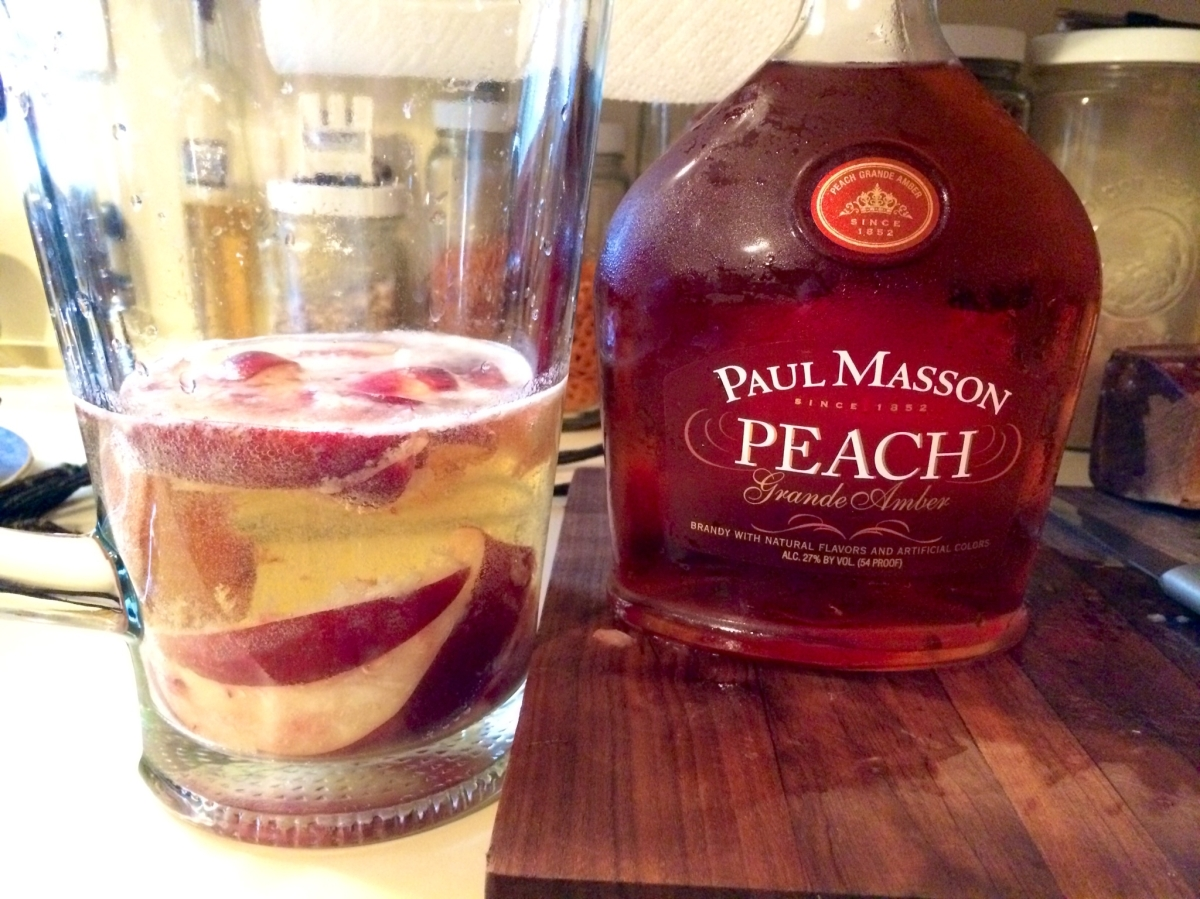 Sparkling White Peach Sangria – The Mad Hattress